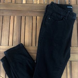 Low-Rise Black Skinny Jeans